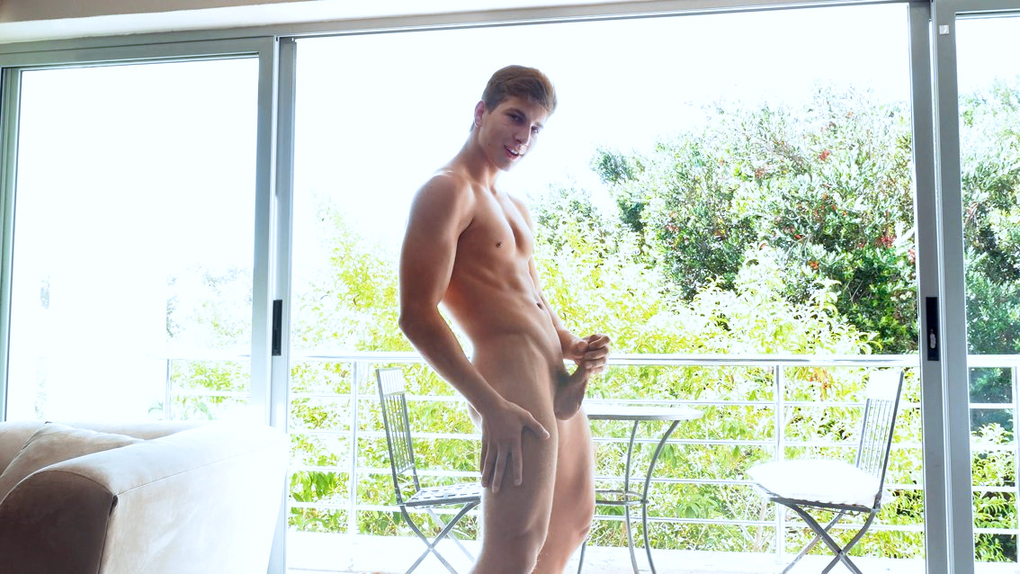 Gay Stud Jerking Off