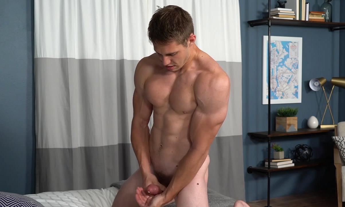 Gay Stud Jerking Off