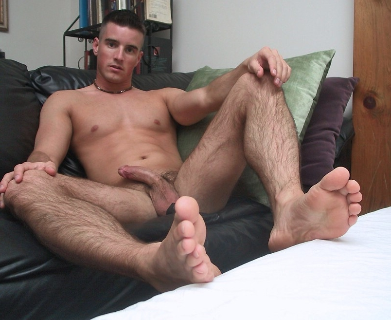 Teen facial naked man spreading his legs