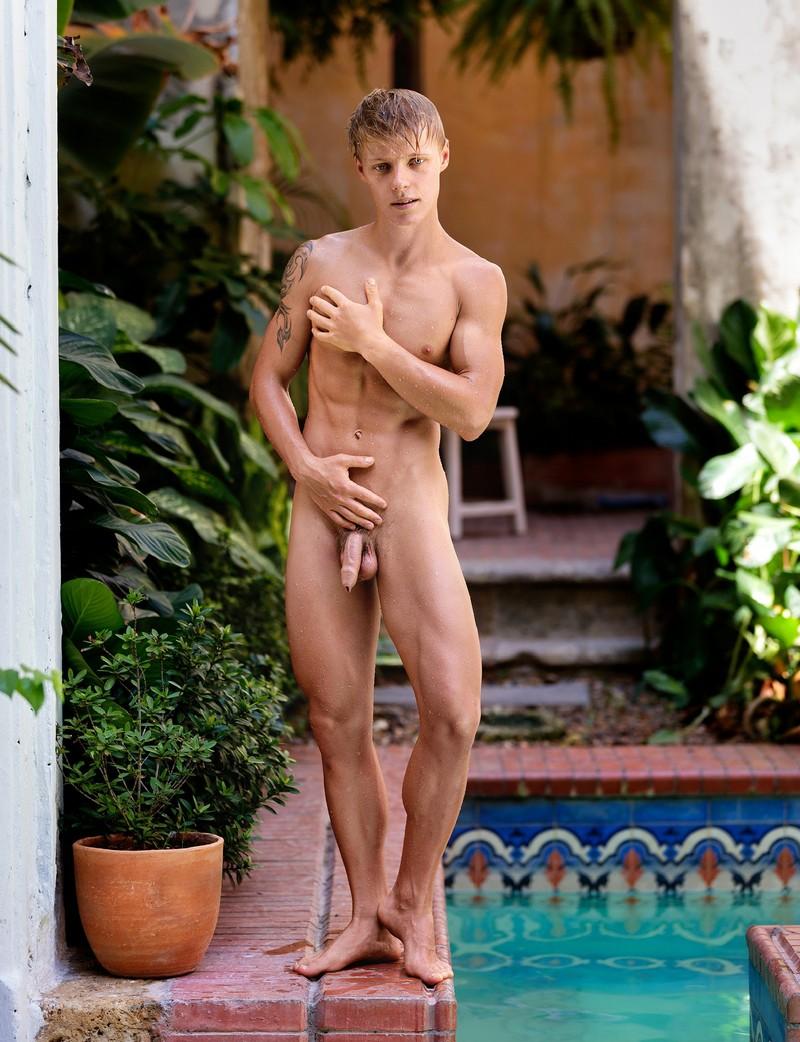 Sven Basquiat Nude