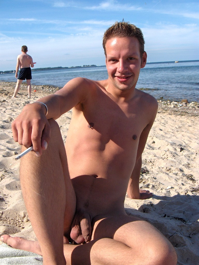 Nudist Guys At Beaches And In Public - Gay Porn Wire-9118