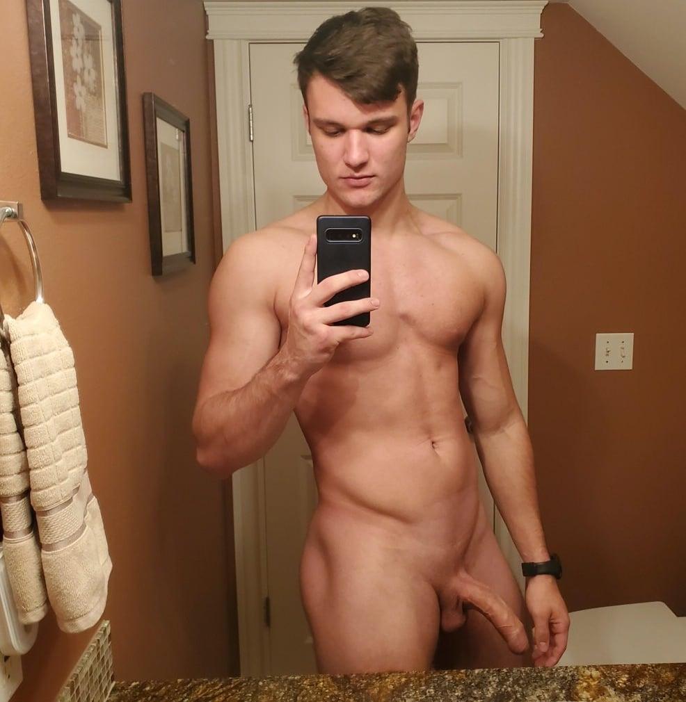 Nude muscle boy