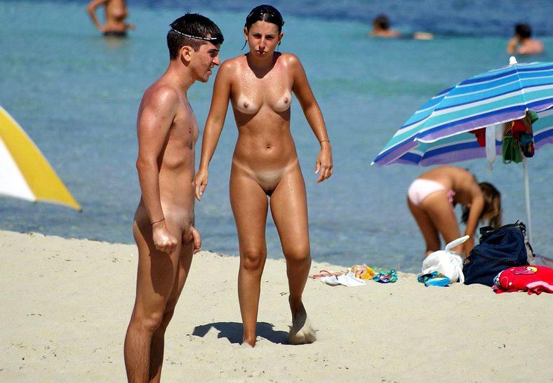 Nudist soft uncut penis