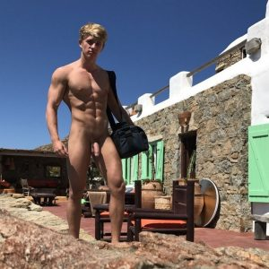 Sexy muscular nudist