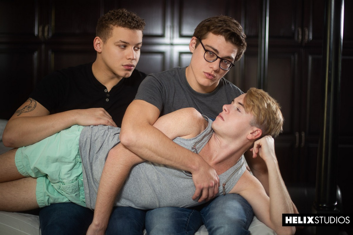 Gay Boys Having A Threesome