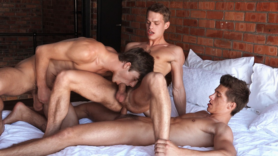 Threesome Gay Porn